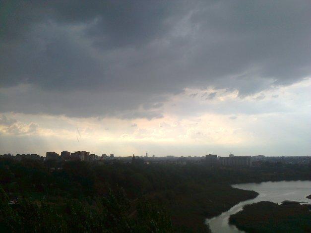 Ploaie în Pantelimon la sfârşit de iulie.
