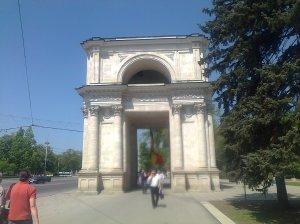 Chișinău - orașul care a încetat demult să mai fie al meu; fotografiile mele; diverse; Chișinău; martie 2013; publicat de Bot Eugen; 04.05.2013; 14:36