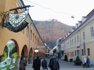 Toamna în Brașov; 02.11.2013; fotografiile mele; diverse; București: 25.11.2013; publicat de Bot Eugen. 22:17