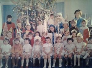 Copilul blond din mine, văzut în alb și negru; fotografiile mele; Chișinău, Buiucani, școala 25, 1982; fotografii din altă epocă; publicat de Bot Eugen. Chișinău; 23.03.2014; 16:33