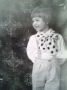 Copilul blond din mine, văzut în alb și negru; fotografiile mele; Chișinău, Botanica, Aeroport, 1979; fotografii din altă epocă; publicat de Bot Eugen. Chișinău; 23.03.2014; 16:26