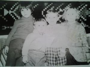 Copilul blond din mine, văzut în alb și negru; fotografiile mele; Chișinău, Botanica, Aeroport, 1979; fotografii din altă epocă; publicat de Bot Eugen. Chișinău; 23.03.2014; 16:22