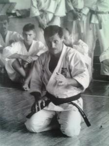 Copilul blond din mine, văzut în alb și negru (II). fotografiile mele, fotografii din altă epocă, Chișinău, Râșcani, iulie 1993; Adrian Popescu-Săcele; publicat de Bot Eugen. 28.03.2014; 09:55