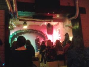 Blitz Show la Shakespeare Pub; Experiment literar; Cosmin Perța; 09.12.2014; 19:00-21:30; diverse; poezie românească; fotografiile mele; 10.12.2014; București; șoseaua Pantelimon 302; sectorul 2; 00:17; publicat de Bot Eugen.
