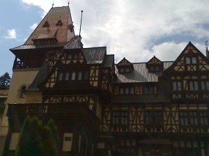 Muzeul Peleș și castelul Pelișor; Sinaia; 03.07.2015; 12-17; Diverse; Fotografiile mele; publicat de Bot Eugen. strada Lunii, Brașov; 04.07.2015; 02:21