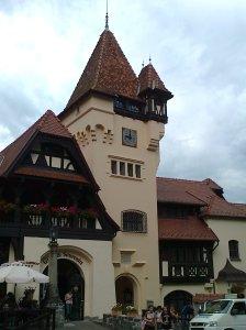 Muzeul Peleș și castelul Pelișor; Sinaia; 03.07.2015; 12-17; Diverse; Fotografiile mele; publicat de Bot Eugen. strada Lunii, Brașov; 04.07.2015; 02:30
