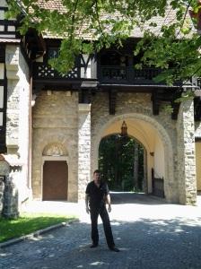 Muzeul Peleș și castelul Pelișor; Sinaia; 03.07.2015; 12-17; Diverse; Fotografiile mele; publicat de Bot Eugen. strada Lunii, Brașov; 04.07.2015; 02:32