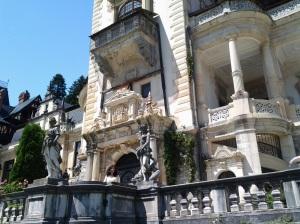 Muzeul Peleș și castelul Pelișor; Sinaia; 03.07.2015; 12-17; Diverse; Fotografiile mele; publicat de Bot Eugen. strada Lunii, Brașov; 04.07.2015; 02:40