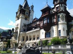 Muzeul Peleș și castelul Pelișor; Sinaia; 03.07.2015; 12-17; Diverse; Fotografiile mele; publicat de Bot Eugen. strada Lunii, Brașov; 04.07.2015; 02:47