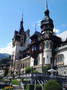 Muzeul Peleș și castelul Pelișor; Sinaia; 03.07.2015; 12-17; Diverse; Fotografiile mele; publicat de Bot Eugen. strada Lunii, Brașov; 04.07.2015; 02:48