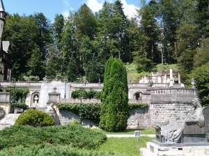Muzeul Peleș și castelul Pelișor; Sinaia; 03.07.2015; 12-17; Diverse; Fotografiile mele; publicat de Bot Eugen. strada Lunii, Brașov; 04.07.2015; 02:56