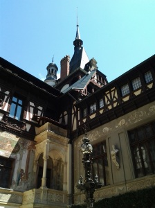 Muzeul Peleș și castelul Pelișor; Sinaia; 03.07.2015; 12-17; Diverse; Fotografiile mele; publicat de Bot Eugen. strada Lunii, Brașov; 04.07.2015; 02:58