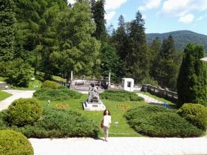 Muzeul Peleș și castelul Pelișor; Sinaia; 03.07.2015; 12-17; Diverse; Fotografiile mele; publicat de Bot Eugen. strada Lunii, Brașov; 04.07.2015; 03:00